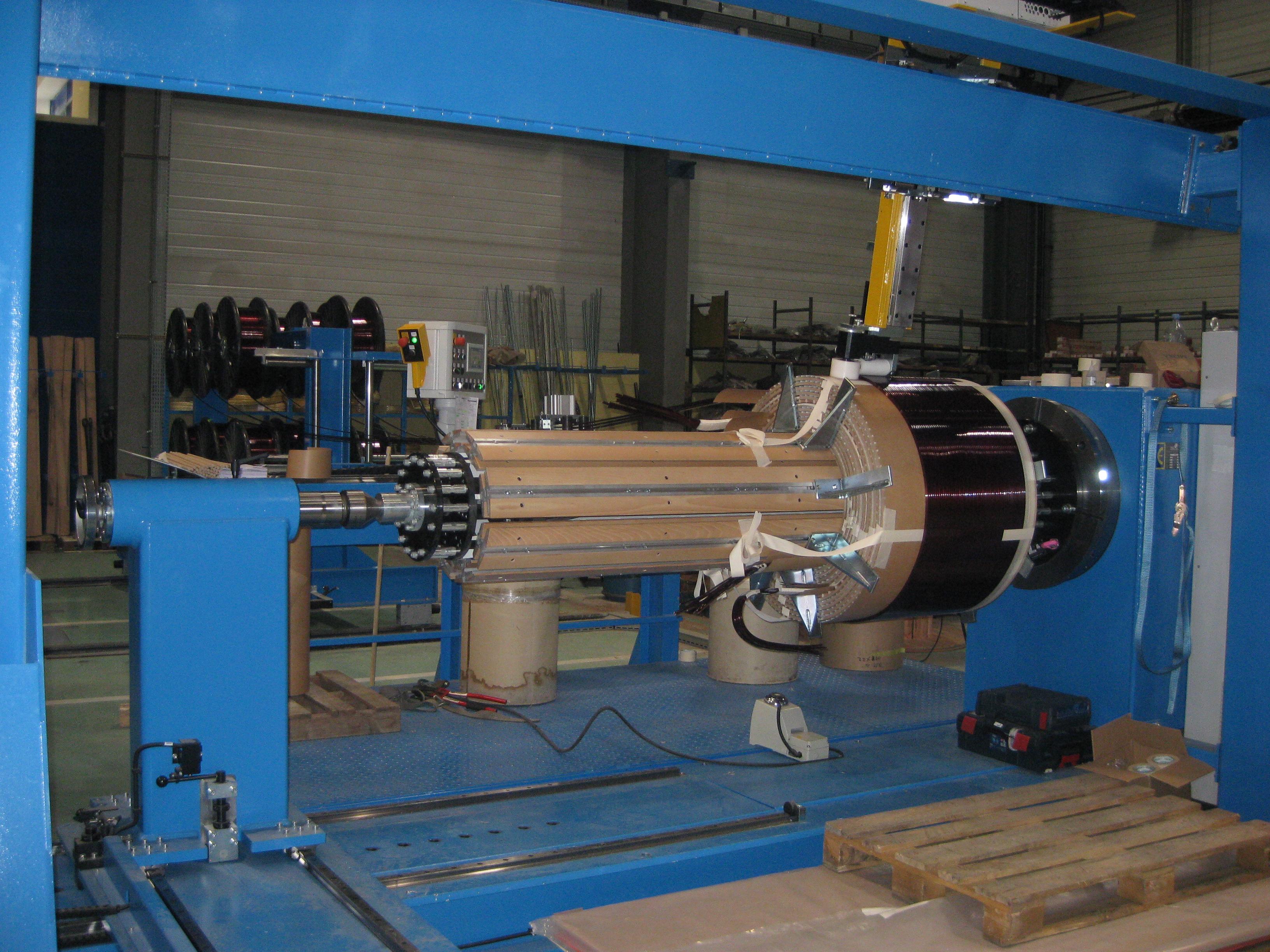 Tour-pour-bobinage-transformateur-de-puissance